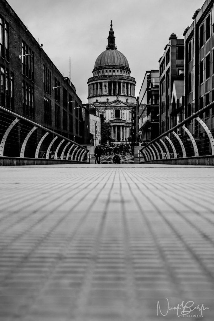 travel-london-millenium-bridge