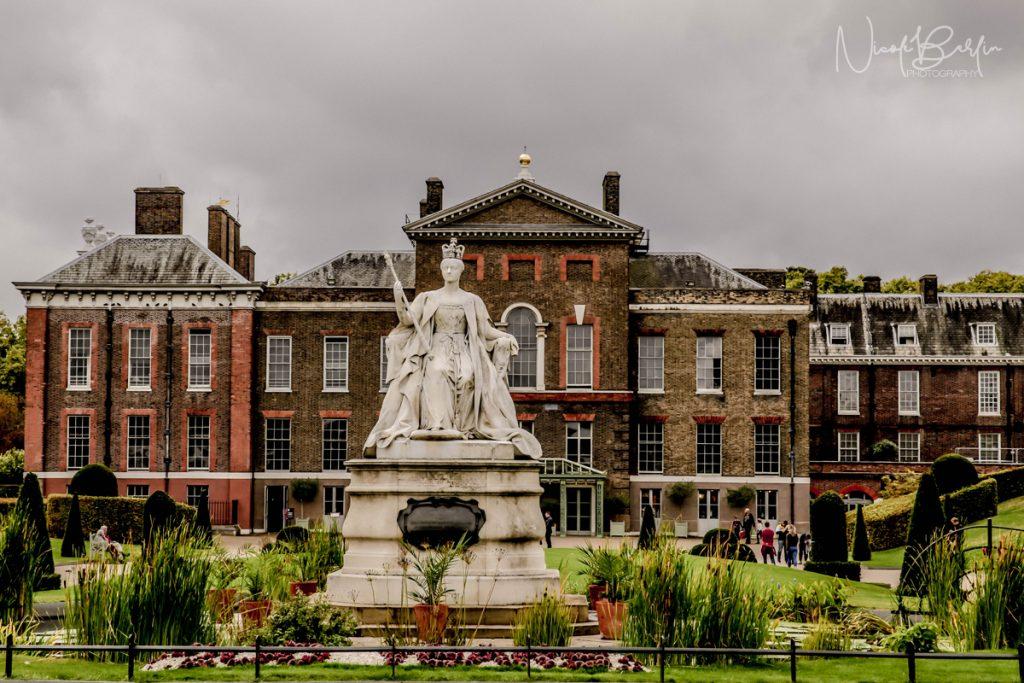 travel-london-palace-queen-elizabeth