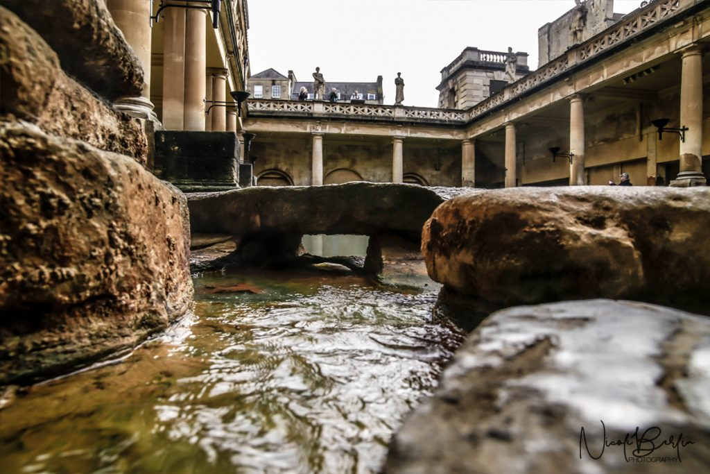 travel-roman-baths